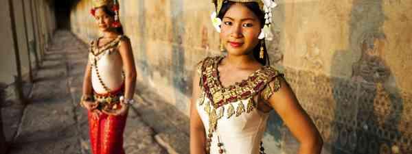 Traditional Aspara dancers at Angkor Wat (Dreamstime)