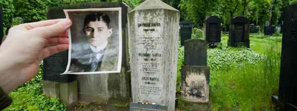 Franz Kafka's grave in Prague (Dreamstime)