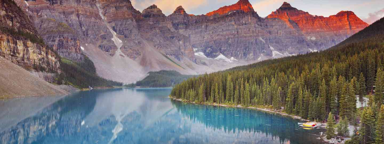 Moraine Lake in Banff (Dreamstime)