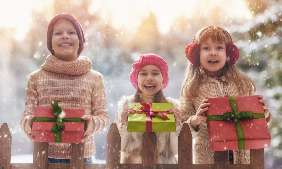 7 thrilling Christmas gifts for kids who love to travel