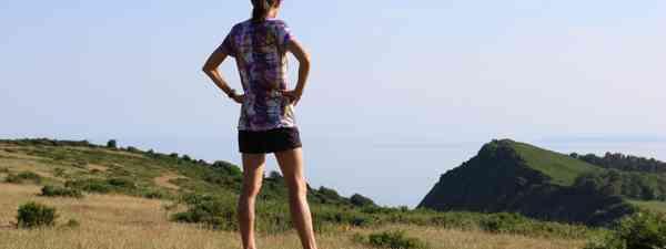 Jo Pavey contemplating coastal run (Jo Pavey)