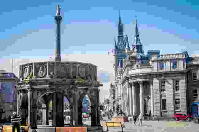 Castlegate Square and Mercat Cross in Aberdeen (Shutterstock)