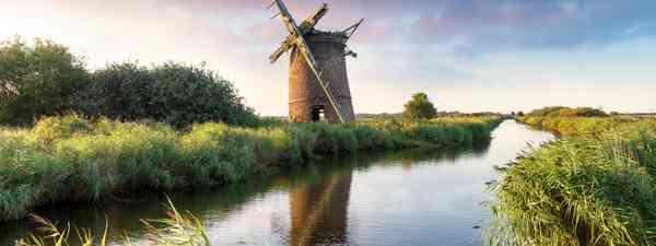 Brograve Windmill on the Norfolk Broad (Shutterstock)