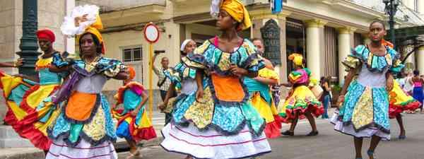 Dancing in Havana (Shutterstock)