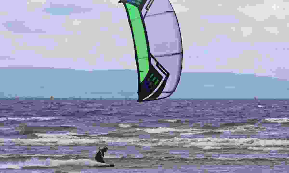 Kitesurfing in Scotland (Dreamstime)