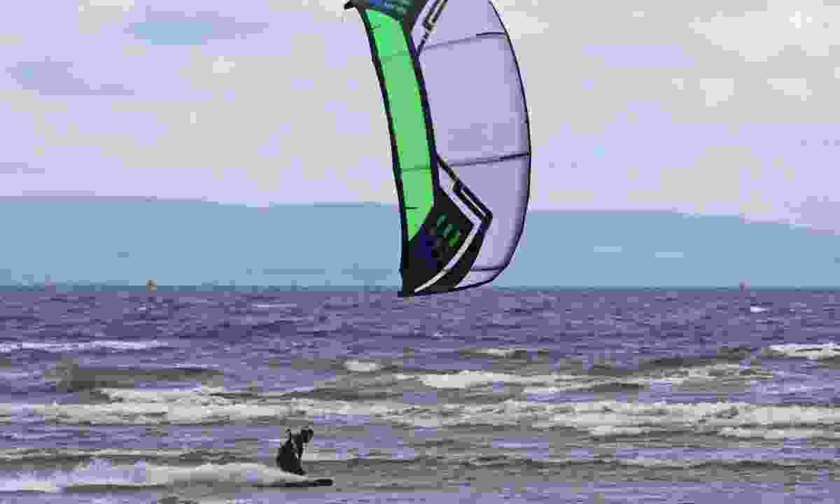 Kitesurfing in Scotland (Dreamstime)