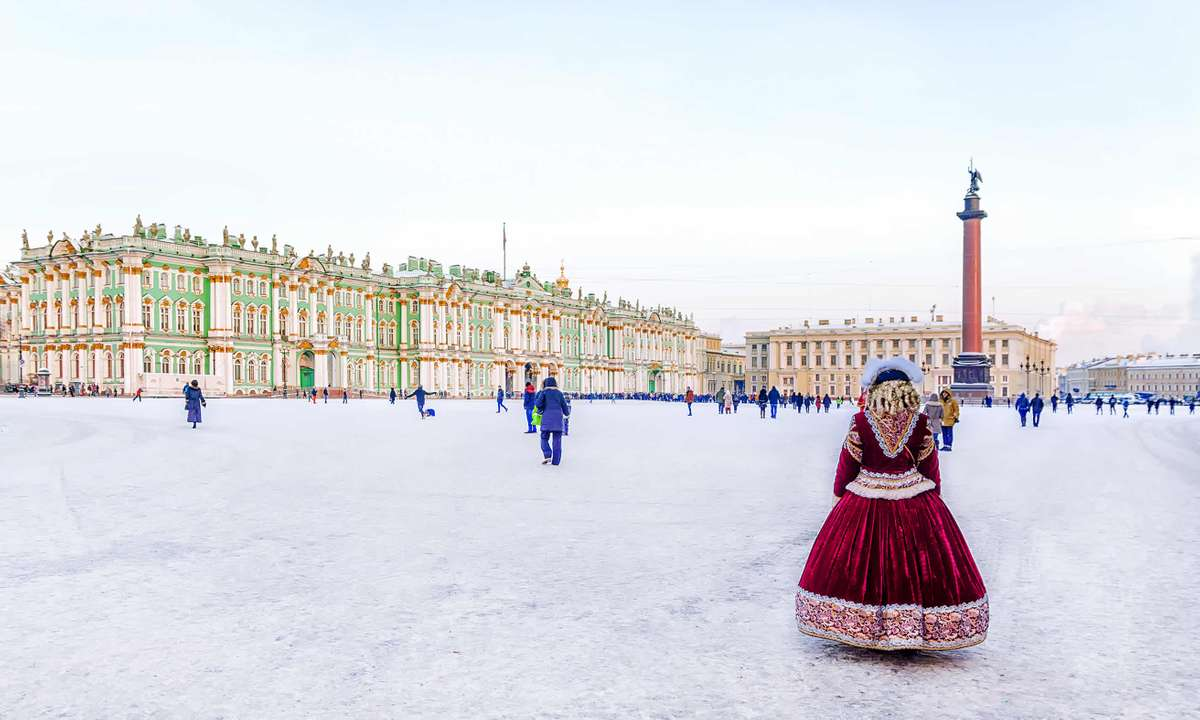 Palace Square covered in snow, St Petersburg (Dreamstime)