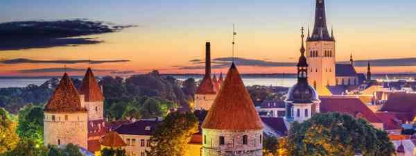 Tallinn's old city skyline at dawn (Shutterstock)