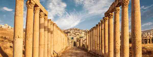 The Columns of the Cardo Maximus, in modern day Jerash (Dreamstime)