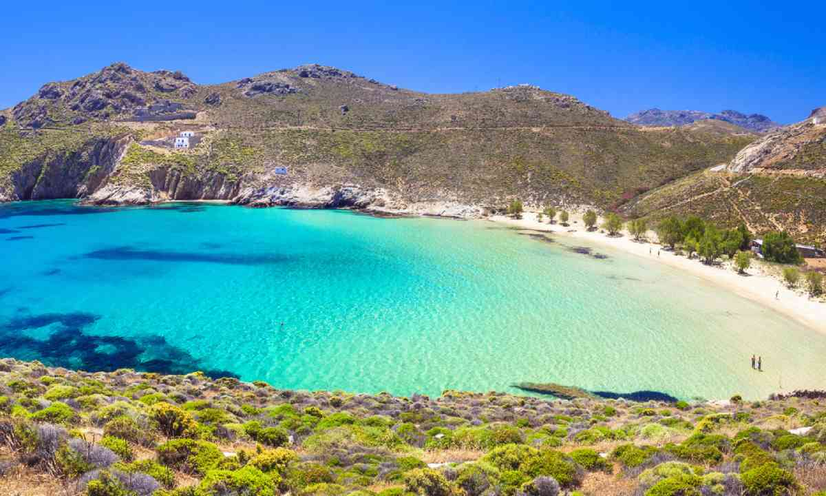 Beautiful emerald beach, Greece (Shutterstock)