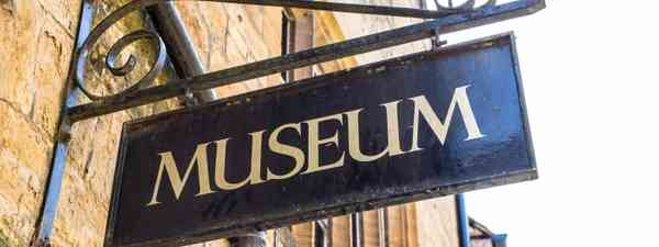 Museum sign (Dreamstime)
