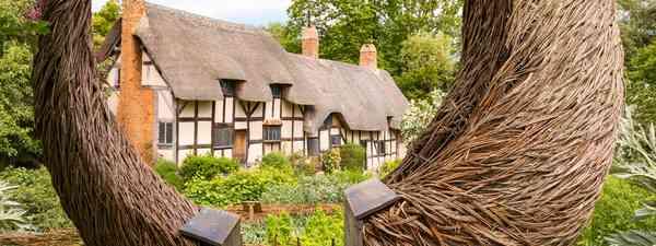 Anne Hathaway's cottage in Stratford-Upon-Avon (Shutterstock)