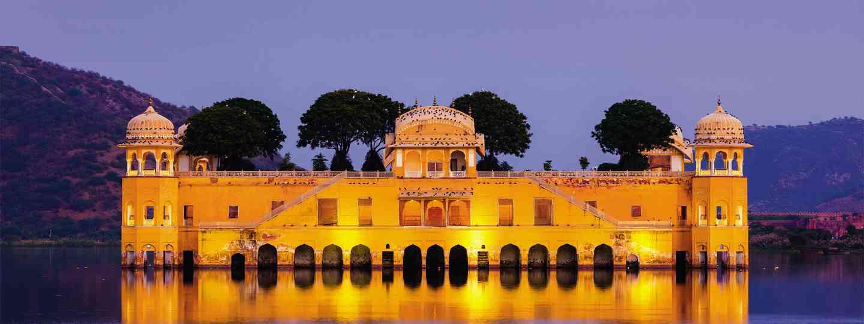 Jal Mahal Palace (Dreamstime)