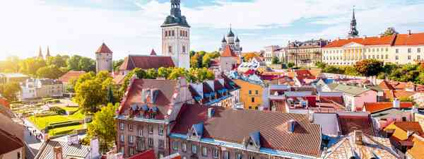 Exploring the baltic states of Latvia, Lithuania and Estonia on foot