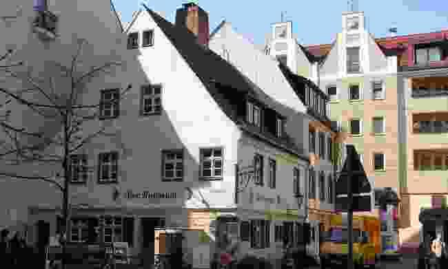 Zum Nussbaum, Nikolaiviertel. (Wikimedia Creative Commons)