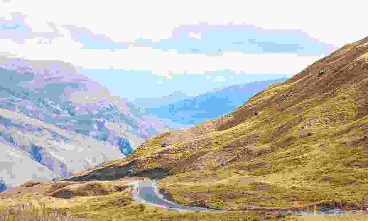 Crown Range Summit Pass (Dreamstime)