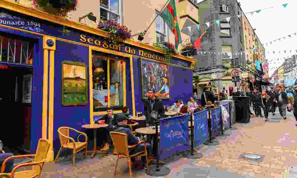 A pub in Galway (Shutterstock)