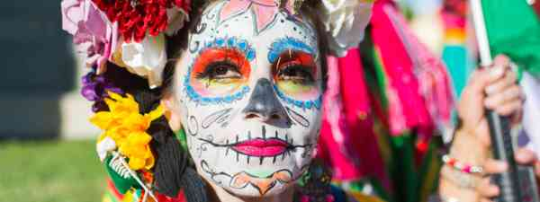 Day of the Dead facial decorations (Dreamstime)