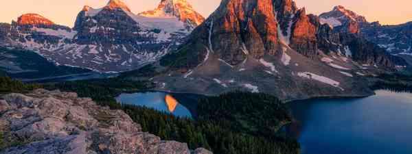 Mount Assiniboine (Shutterstock)