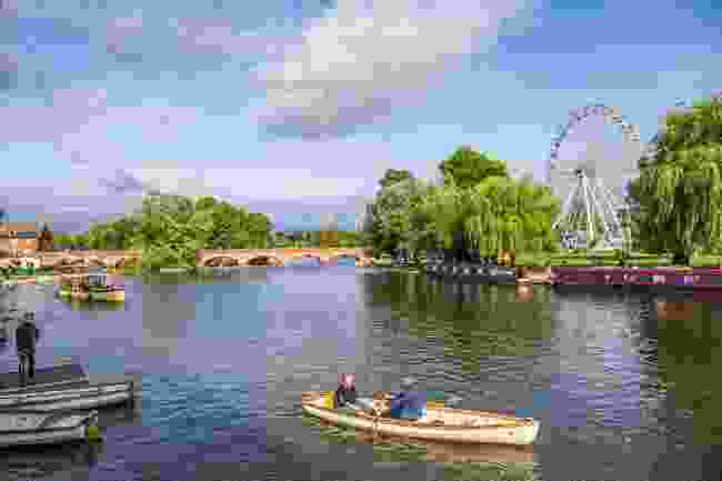 Rowing on the River Avon on a sunny day (Shutterstock)