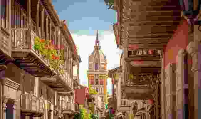 Escape to Colombia via podcast (Shutterstock)