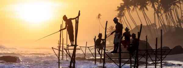 Sri Lankan fishermen (Shutterstock)
