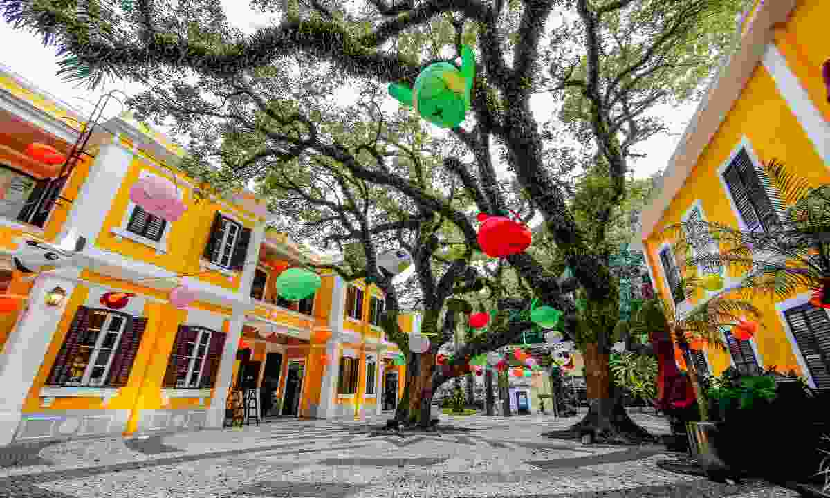 Colourful lanterns for the mid-autumn festival (Macao Government Tourism Office)