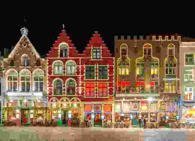 Bruges Markt Square lit up for Christmas (Shutterstock)