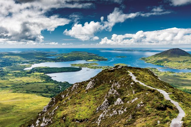 The rugged moorland of Connemara National Park (Shutterstock)