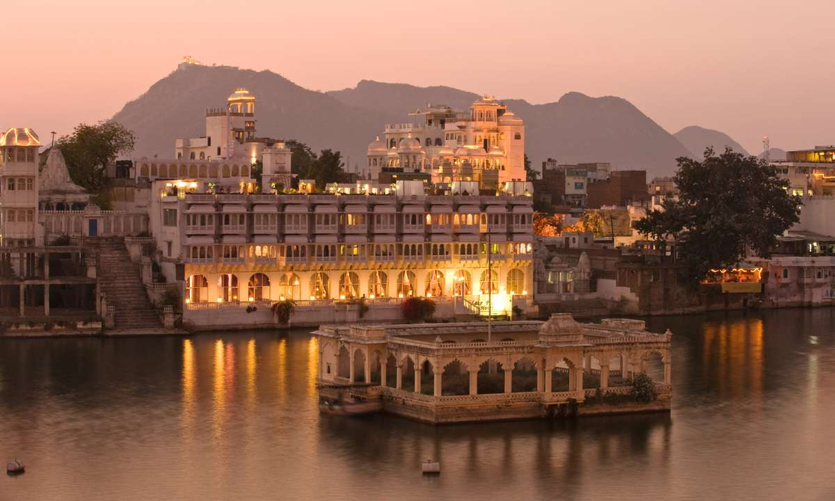 The Lake Palace at Udaipur (Dreamstime)