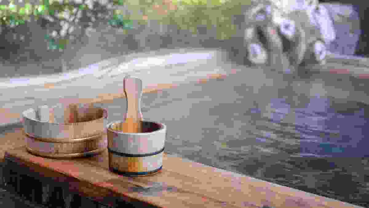 Open air onsen, Japan (Dreamstime)