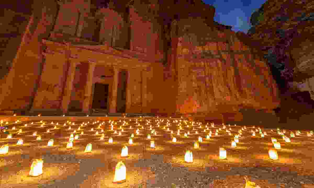 The Treasury building in Petra at night (Dreamstime)