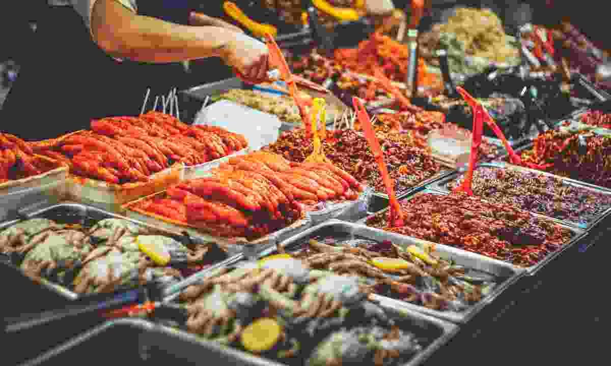 Korean street food at the Gwangjang market (Shutterstock)
