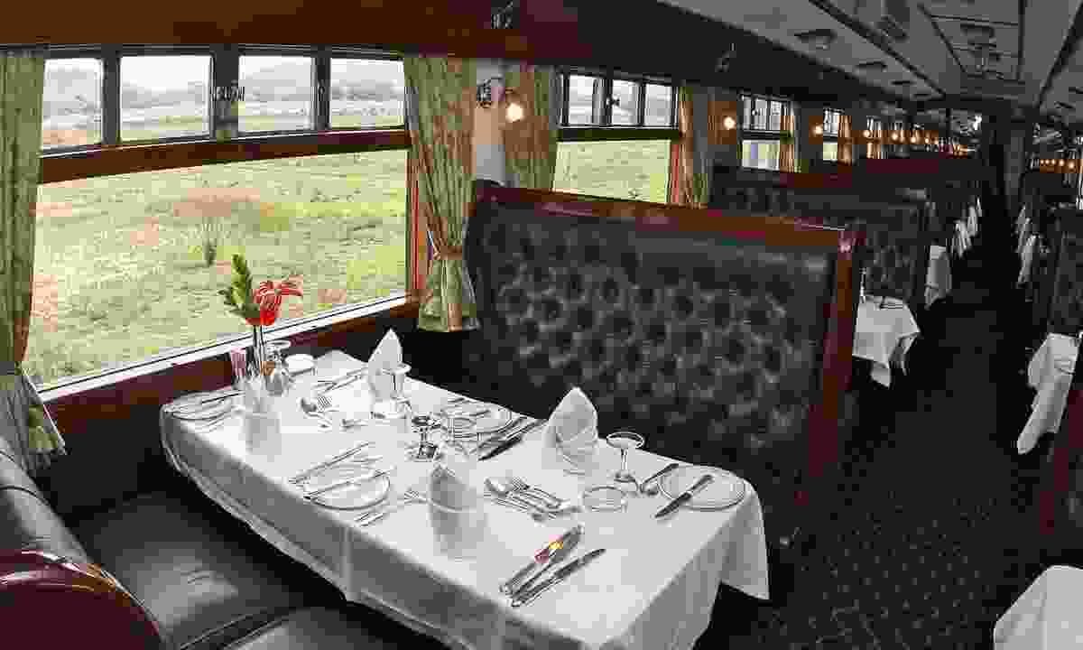 The vintage dining car on Rovos Rail (Shutterstock)