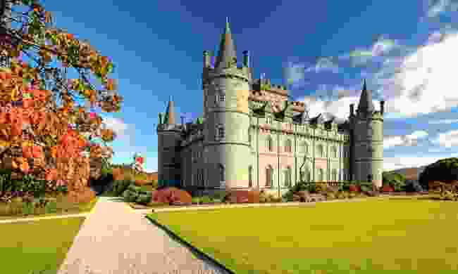 Inveraray Castle on a sunny autumn day (Shutterstock)