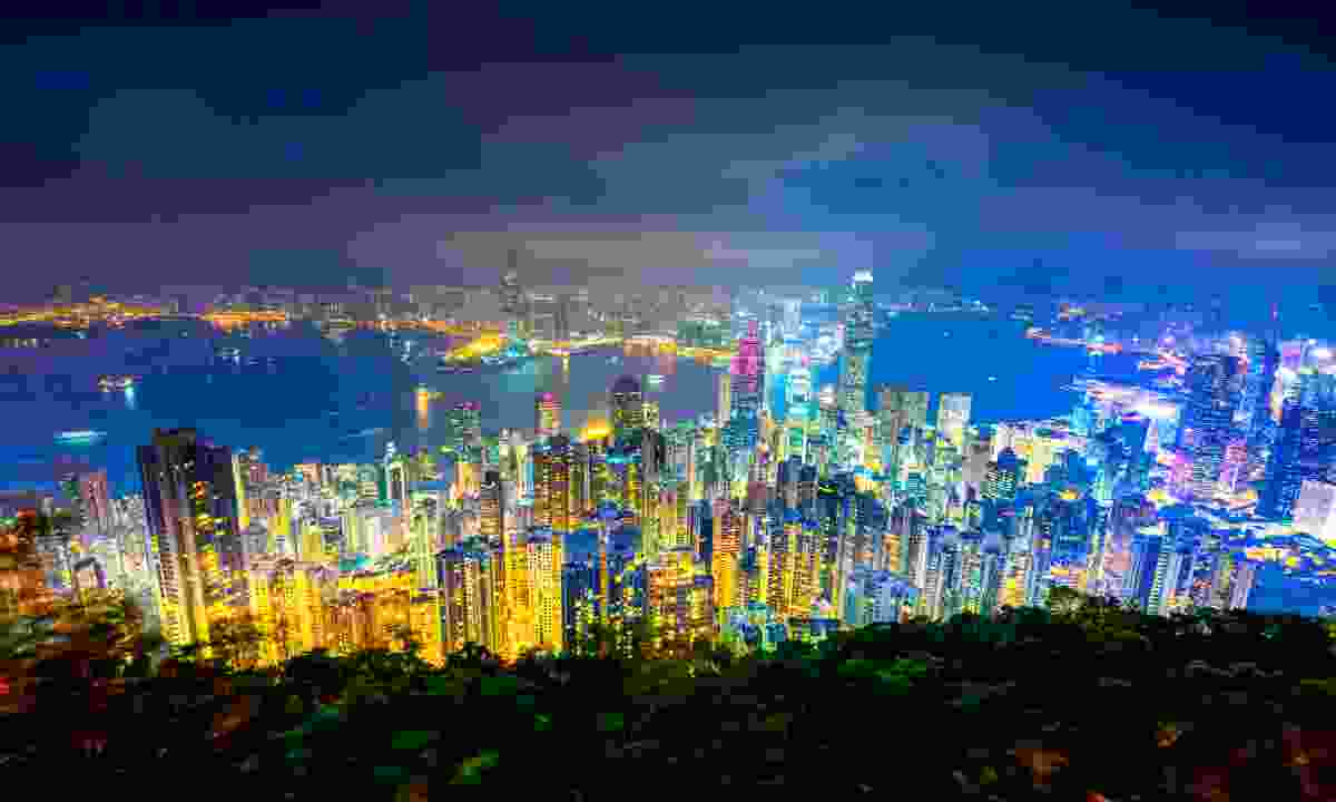 The twinkling twilight view over Victoria Harbour (Dreamstime)