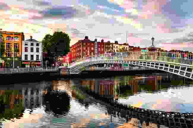 Ha Penny Bridge, Dublin (Shutterstock)