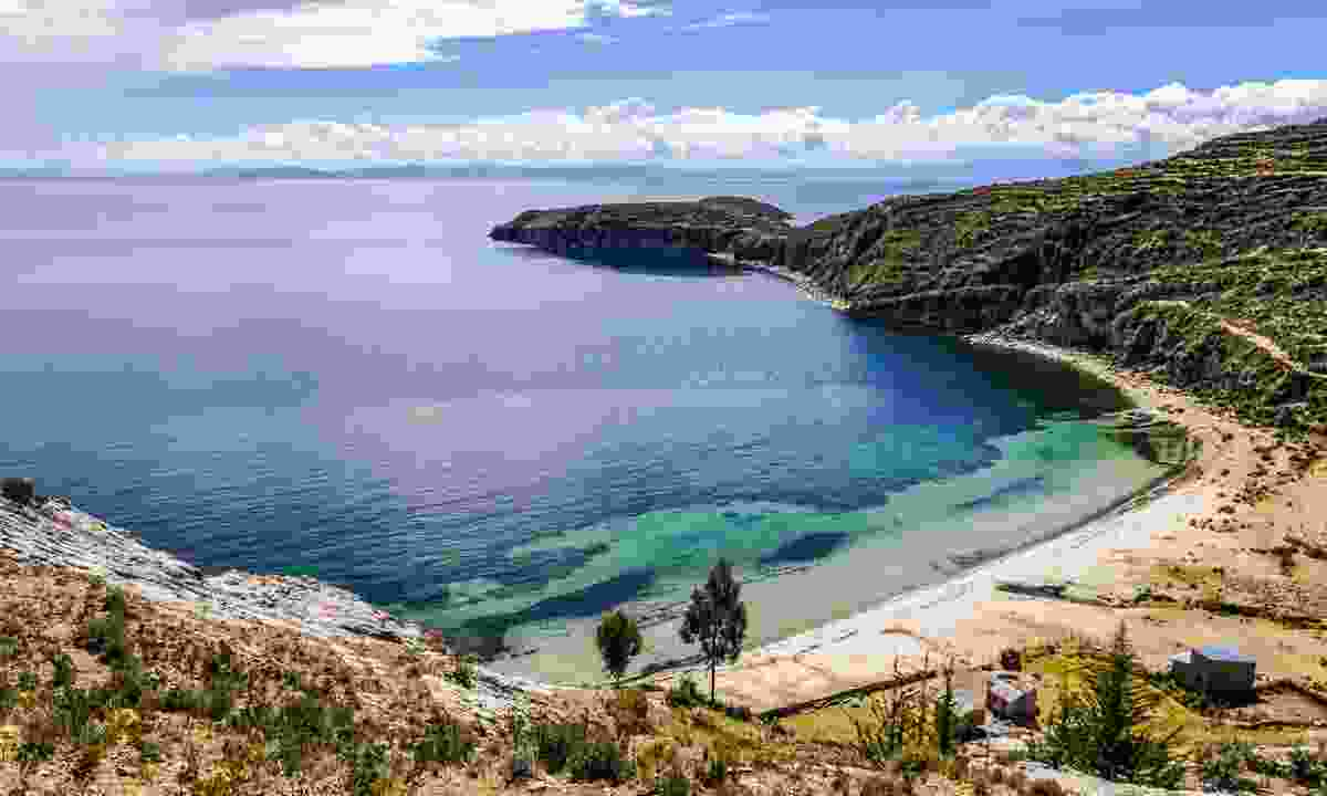 A beach on Isla Del Sol (Dreamstime)
