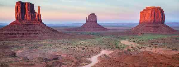 The Mittens, Monument Valley, Arizona, USA (Shutterstock)