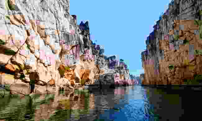 The Marble Rocks of Bhedaghat (Shutterstock)
