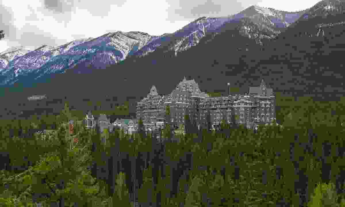 Banff Springs Hotel (Shutterstock)