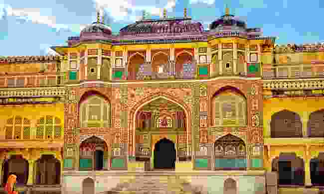 Red sandstone and marble colours glow on Amber Fort (Dreamstime)