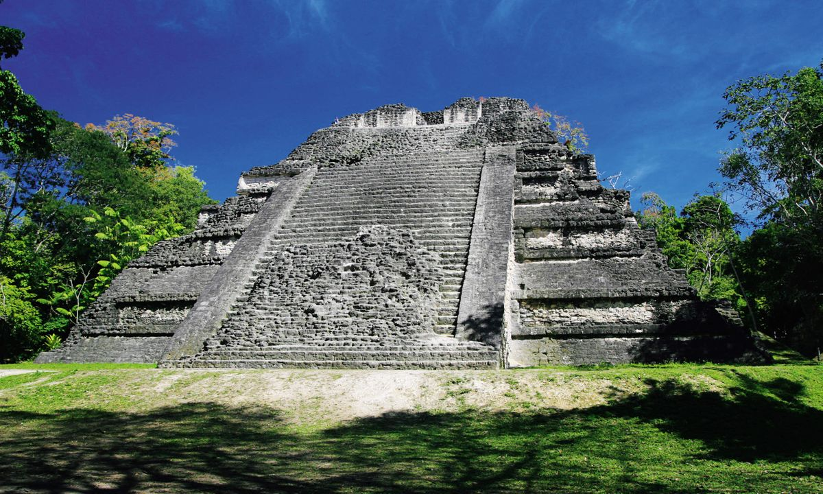 The Jaguar Temple at Tikal National Park (Dreamstime)