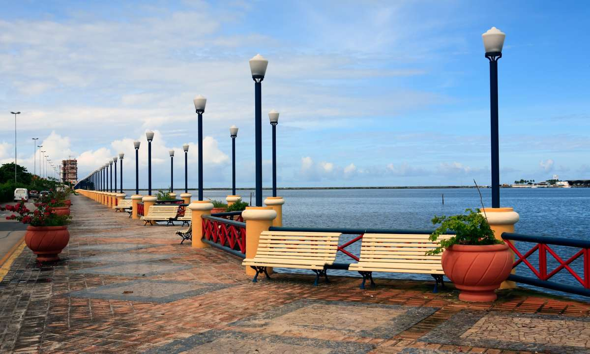 Waterfront promenade, Recife (Dreamstime)