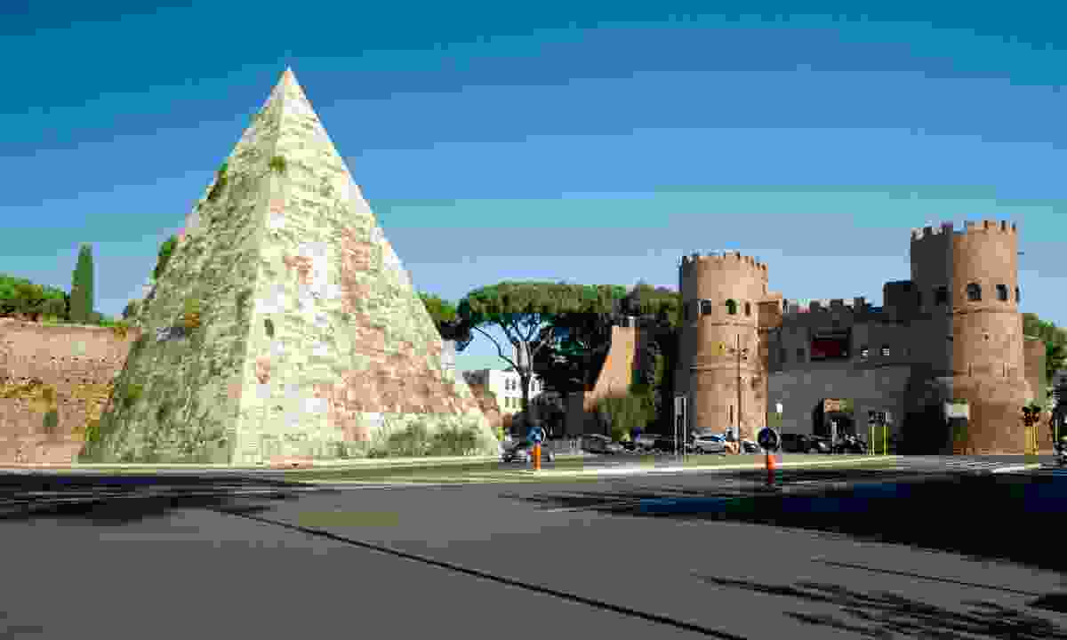 Pyramid of Cestius and Porta San Paolo, Rome (Dreamstime)