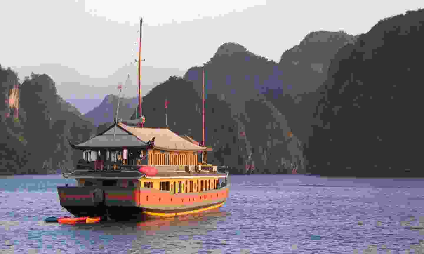 Traditional 'junk' boat on Halong Bay (Dreamstime)