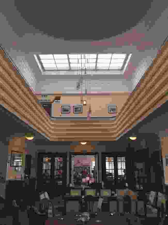The Art Deco interior of the Hummingbird Cafe (Alexandra Loske)