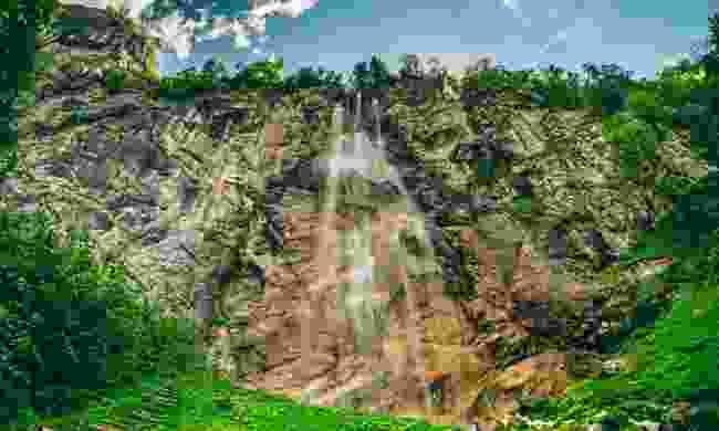 Skakavac waterfall near Sarajevo (Shutterstock)