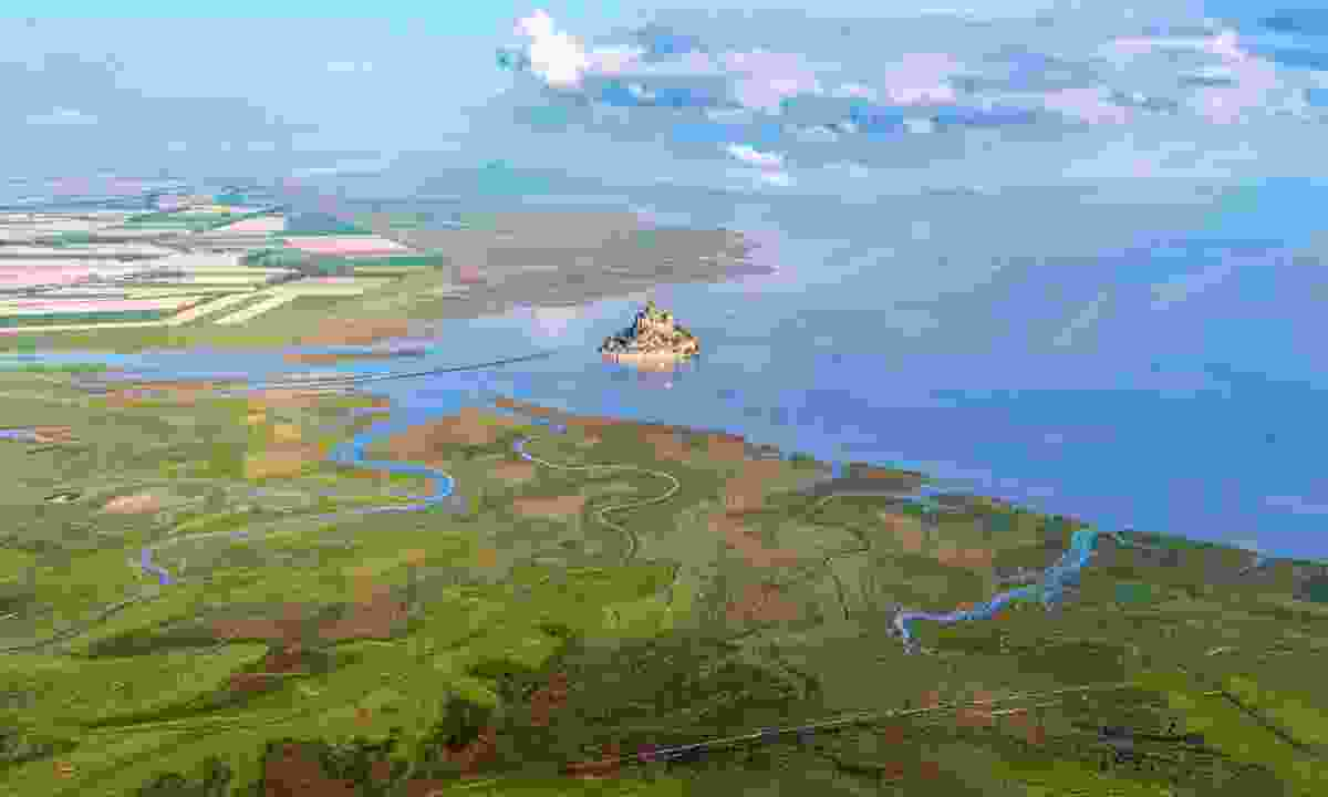 Aerial view of Mont-Saint-Michel bay (Teddy Verneuil)