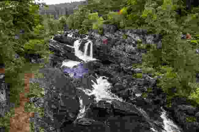 Rogie Falls (Kav Dadfar)